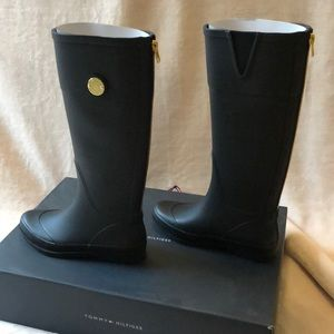 6b5b08106be3 Tommy Hilfiger Shoes - NIB Tommy Hilfiger Black rain boots gold detail